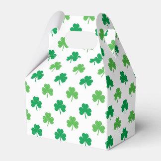 Caja Para Regalos 2-Shades de tréboles verdes en St Patrick blanco