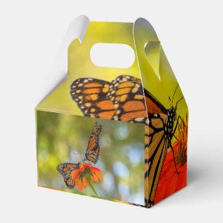 Caja Para Regalos Mariposas de monarca en Wildflowers