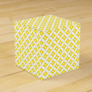 Caja Para Regalos Modelo de lunares amarillo y blanco moderno del
