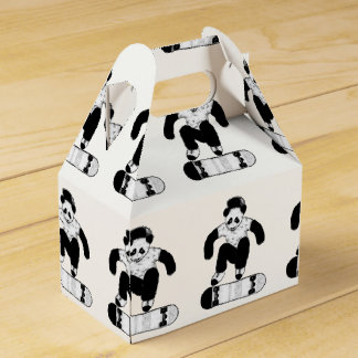 Caja Para Regalos Panda que anda en monopatín