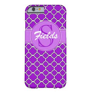 Caja púrpura brillante del iPhone 6 del monograma Funda Barely There iPhone 6