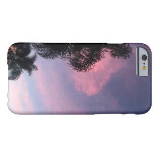 Caja púrpura de los cielos funda barely there iPhone 6