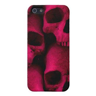 Caja roja de la mota de los cráneos iPhone 5 carcasas