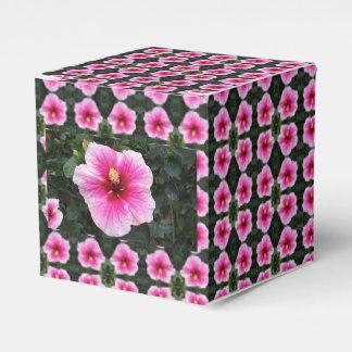 caja rosada del favor de la flor