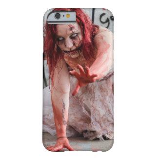 Caja sangrienta del teléfono celular del chica de funda barely there iPhone 6