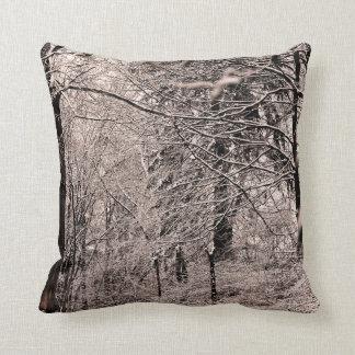 Cala del invierno y almohada del bosque del