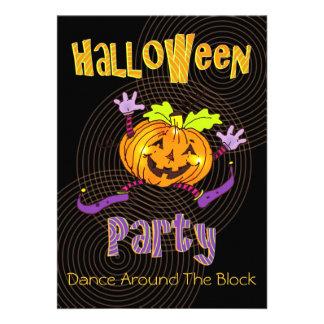 Calabaza feliz de la fiesta de barrio de Halloween