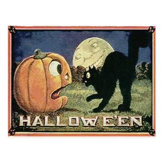 Calabaza y gato de Halloween del vintage en Postal