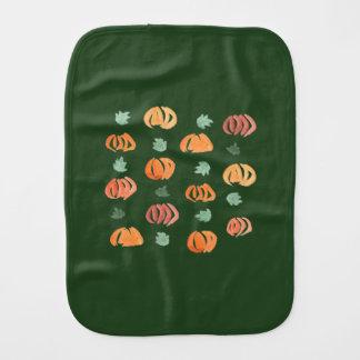 Calabazas con el paño del Burp de las hojas
