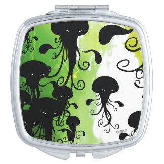 Calamar asustadizo de las medusas del espejo espejo de viaje