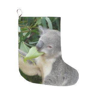 Calcetín Navideño Grande Koala que come la hoja de la goma