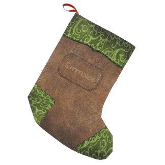 Calcetín Navideño Pequeño Falso cuero verde del monograma de Brown