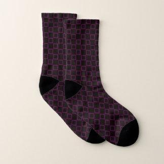 Calcetines con diseño púrpura y marrón clásico
