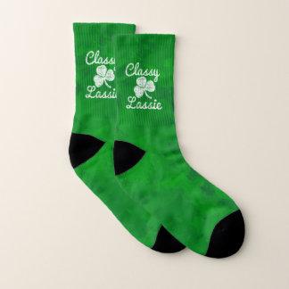 Calcetines Día con clase del St. Patricks del Lassie del