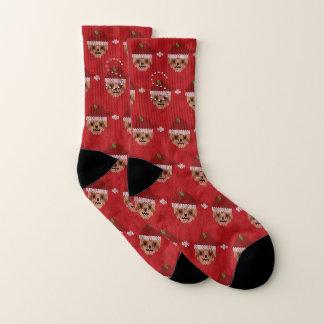 Calcetines feos del navidad de la pereza roja con