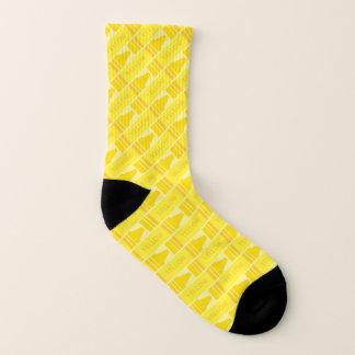 Calcetines modelados creyón amarillo lindo