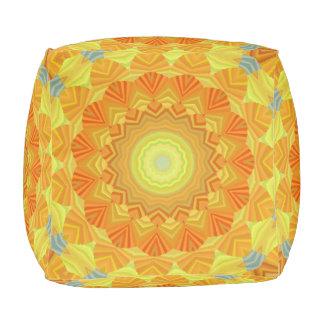 Caleidoscopio anaranjado y amarillo