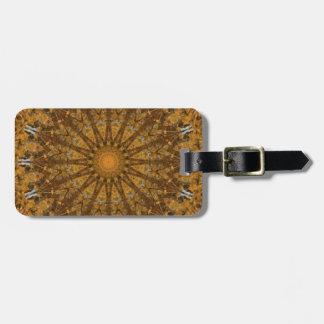 Caleidoscopio de la mandala del follaje de otoño etiqueta para maletas