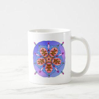 Caleidoscopio de osos y de abejas taza de café