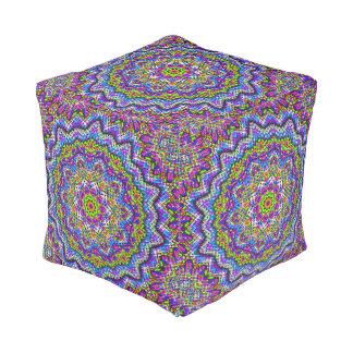Caleidoscopio multicolor pouf