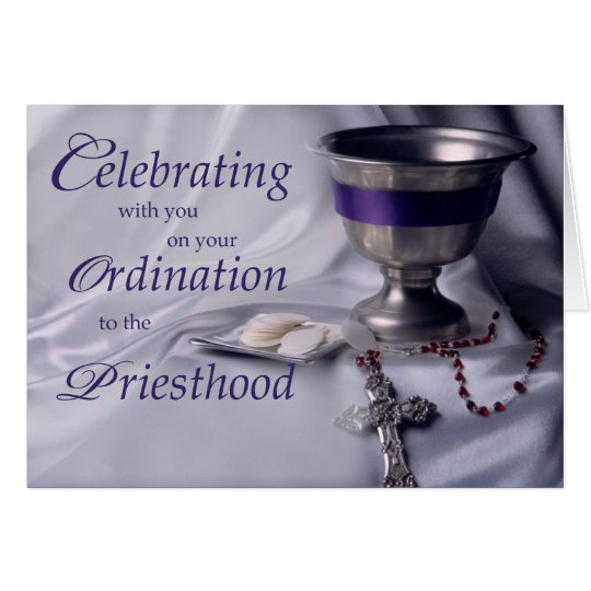 Cáliz de la enhorabuena de la ordenación del tarjeta de felicitación