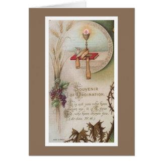 Cáliz de la ordenación del sacerdote del tarjeta de felicitación