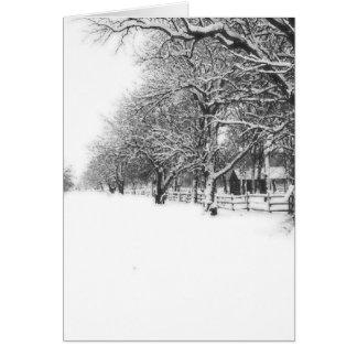 Calle de la conferencia en el pleno invierno tarjeta de felicitación
