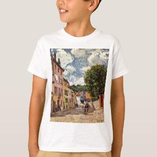 Calle en Moret Sur Loing de Alfred Sisley Camiseta