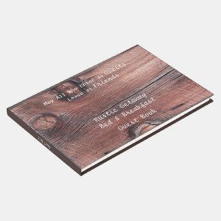 Cama del granero y libro de visitas rojos rústicos