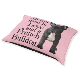 Cama del perro del dogo francés - amor
