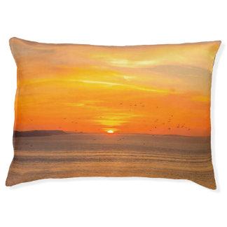 Cama Para Mascotas Costa de la puesta del sol con Sun anaranjado y