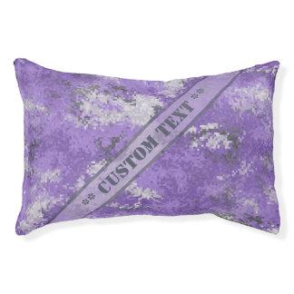 Cama Para Mascotas Digi púrpura Camo con el texto de encargo