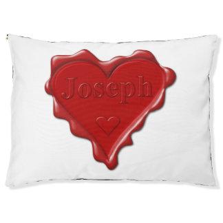 Cama Para Mascotas José. Sello rojo de la cera del corazón con José