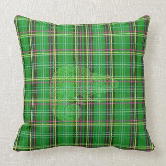 Camaleón de la tela escocesa cojín decorativo