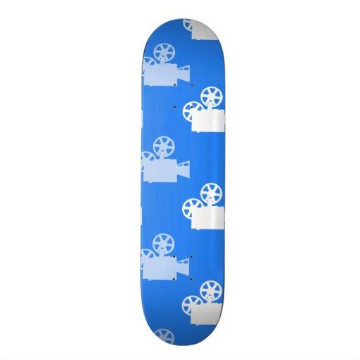 Cámara de película del azul y del blanco de cielo patines