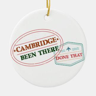 Cambridge allí hecho eso adorno de cerámica