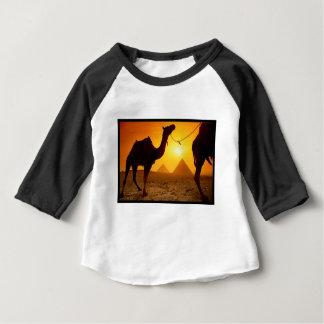camello camiseta de bebé