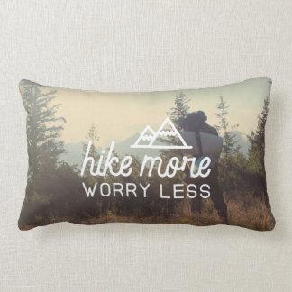Camine más, preocupación menos almohada de tiro