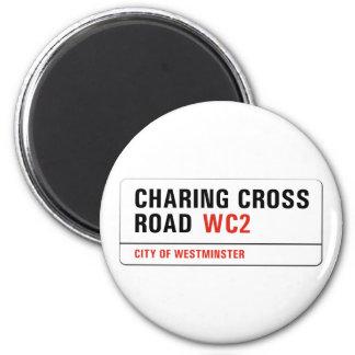 Camino cruzado de Charing, placa de calle de Imanes