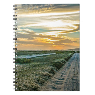 Camino de las dunas del parque nacional de cuaderno