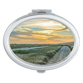 Camino de las dunas del parque nacional de espejos para el bolso