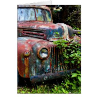 Camión antiguo viejo oxidado tarjeta pequeña