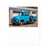 Camión - un camión viejo internacional postal