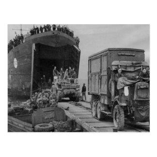 Camiones y tropas de la Segunda Guerra Mundial que Postal