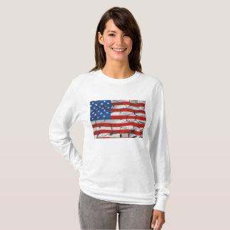Camisa agrietada de la bandera americana