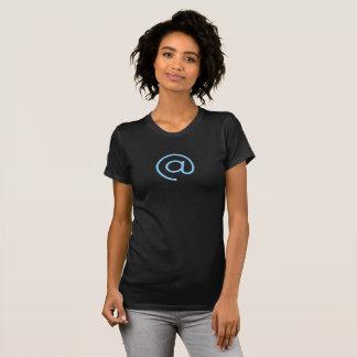 Camisa azul simple del icono del símbolo del