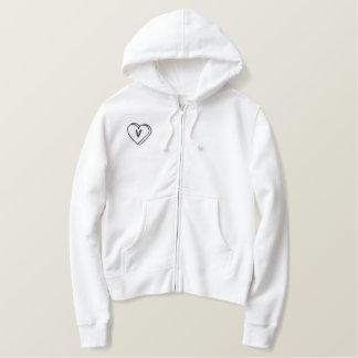 Camisa bordada monograma del corazón de la letra V