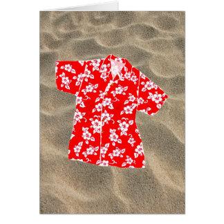 Camisa de hawaiana roja y blanca del hibisco tarjeta