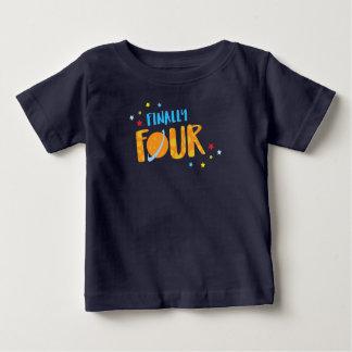 Camisa del cumpleaños del muchacho de finalmente