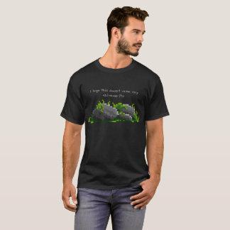 Camisa del retruécano del musgo - musgo en rocas